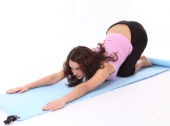 Йога при опущении матки